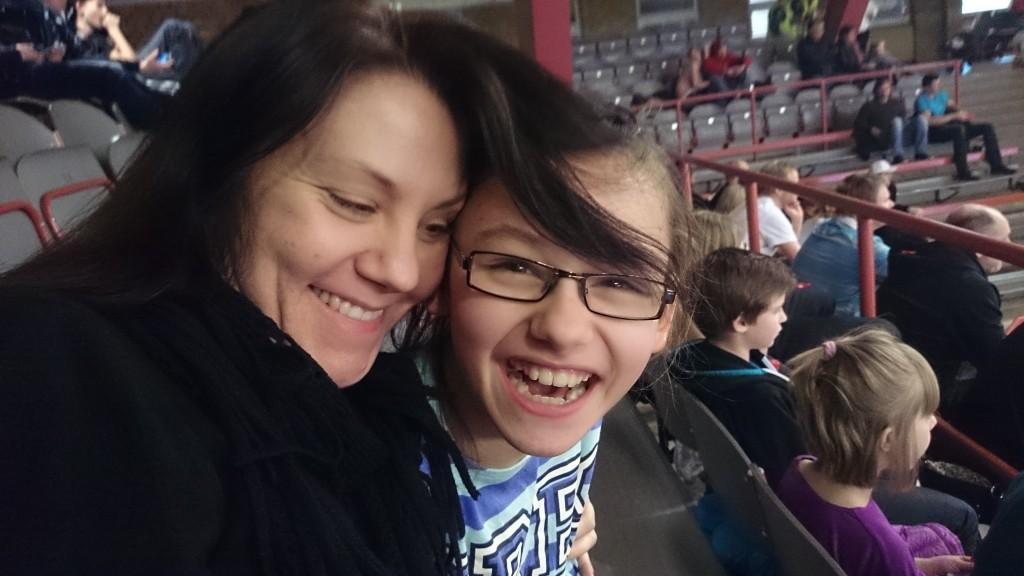 ps. Hade ingen bild från idag, men det var en annan gång där jag och mamma var på basket.