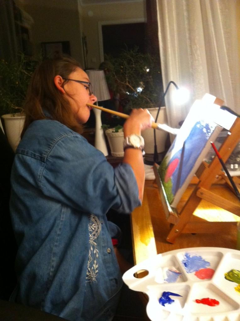 Efter tv gick jag och Sisko upp, och målade klart.