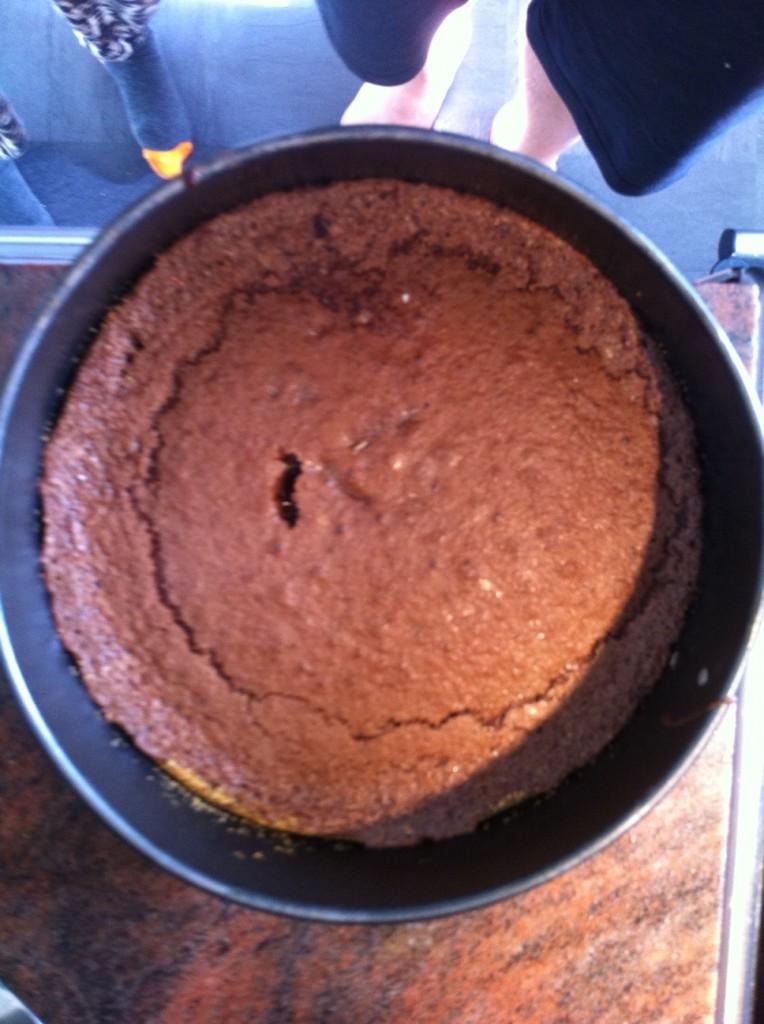 Efter frukosten bakade jag och Marko en kaka som vi åt till kaffet.