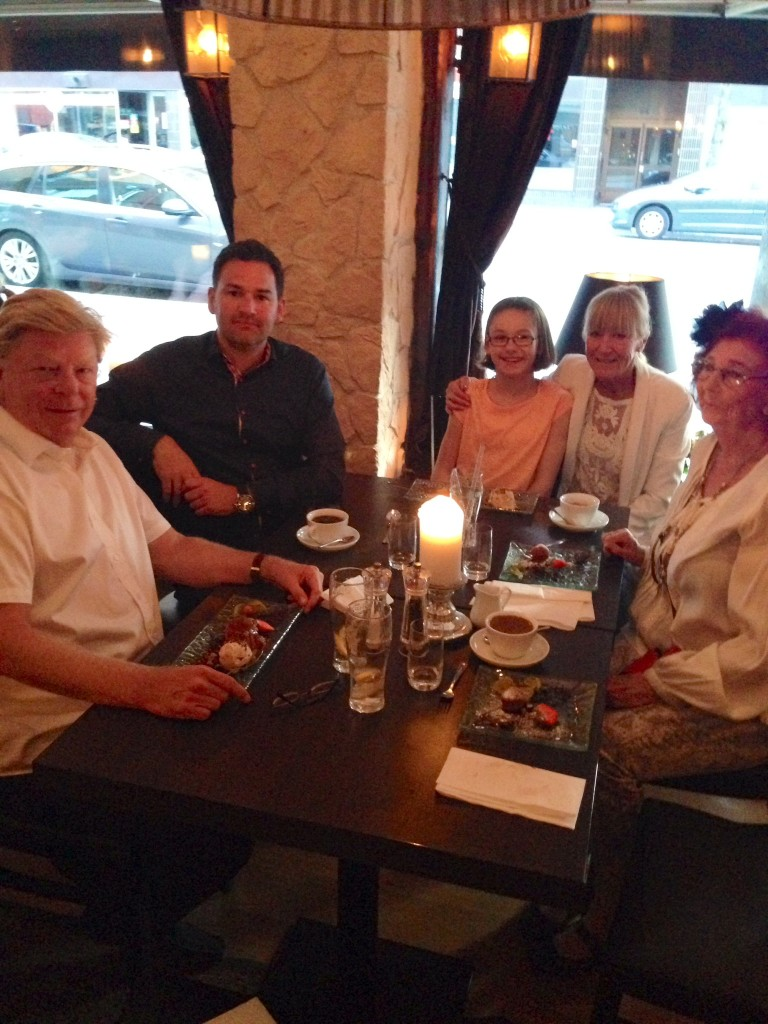 Carin, Måna, farfar, jag, pappa och Jenny var på La Copita  i söndags.
