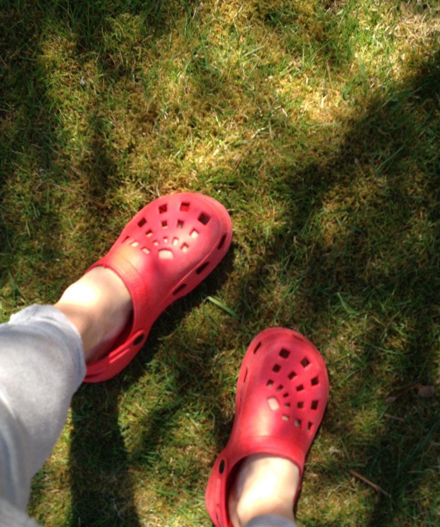 Mycket premiärer har det blivit i helgen! B.l.a att gå i sådana här skor, och  barfota i de också! Härligt:)