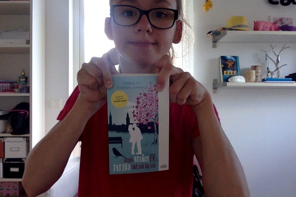 """Min bok """"Vi måste sluta ses på det här sättet"""" Författare: Lisa Bjärbo & Johanna Lindbäck"""