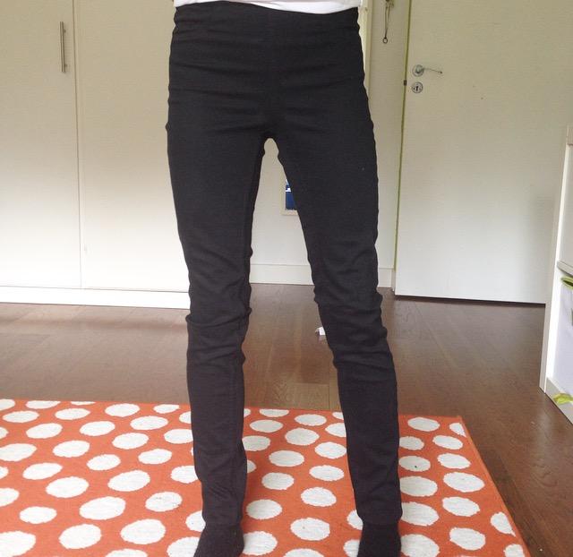 Det är de svarta byxorna jag pratade om.