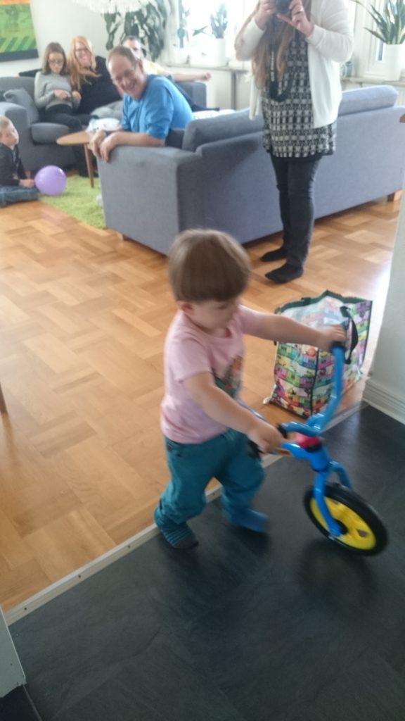 Elliots första cykel